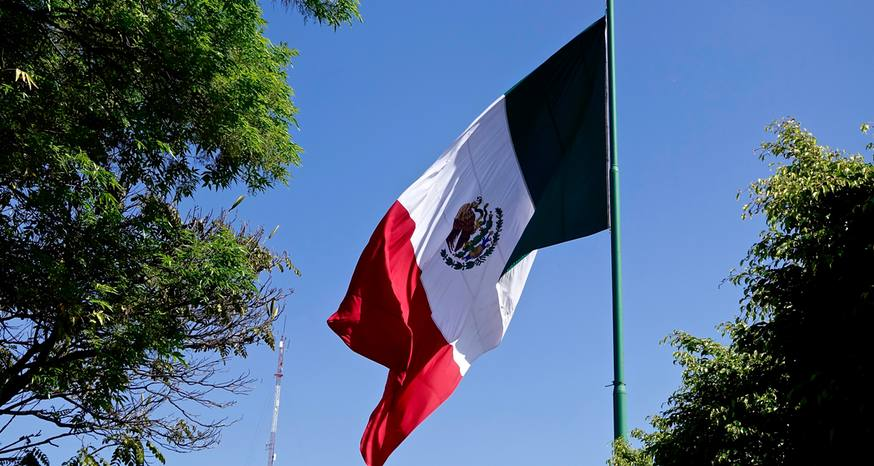 Mexicans proudly celebrate independence from Spain