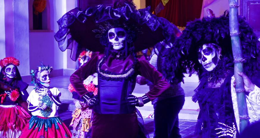 Questioning whether Day of the Dead should be a tourist spectacle