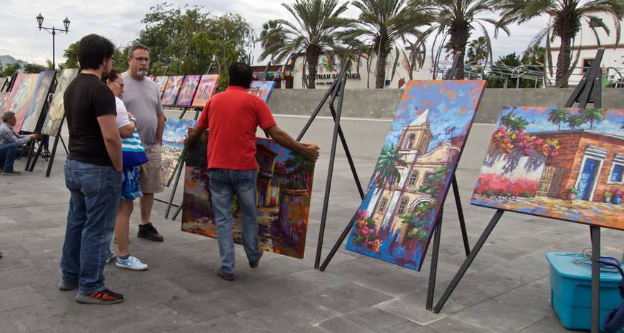 Art walk in San Jose del Cabo like a treasure hunt